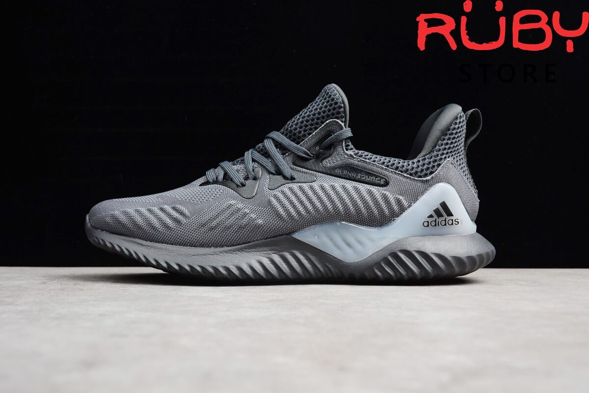 Review Alphabounce Beyond xám đen
