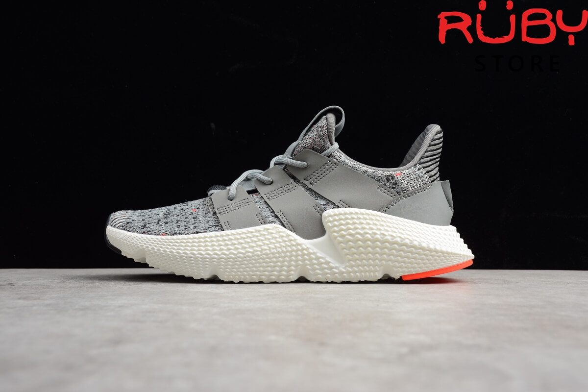 Thiết kế của giày Adidas Prophere