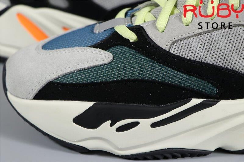 Yeezy 700 Wave Runner Solid Grey (1)