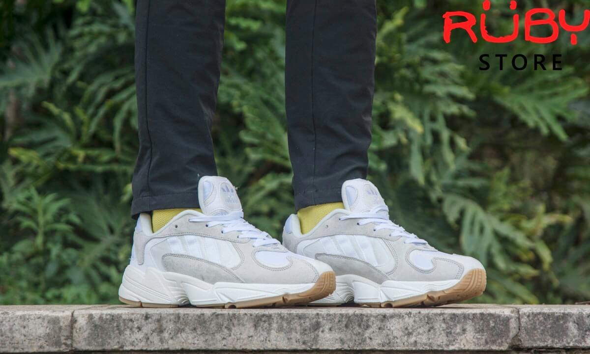 Hình ảnh Adidas Yung-1-White on feet của Ruby Store