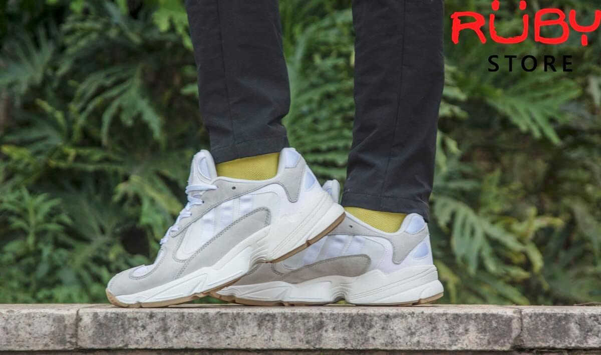 Hình ảnh Adidas Yung 1 White on feet của Ruby Store