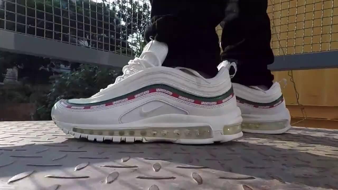 Đôi Airmax 97 trắng xanh on feet