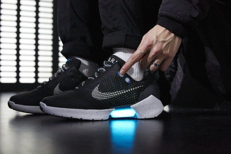 Sneaker Nike Hyper Adapt 1.0 với thiết kế cảm biến và tự động thắt chặt dây giày