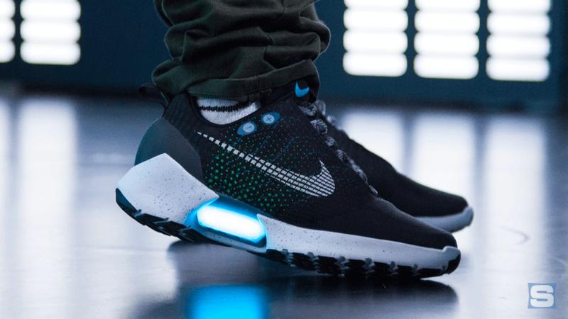 Nike HyperAdapt 1.0 áp dụng công nghệ Auto Lacing
