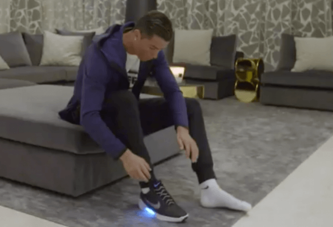 Cristiano Ronaldo(Cr7) là người đầu tiên trãi nghiệm dùng thử đôi giày này
