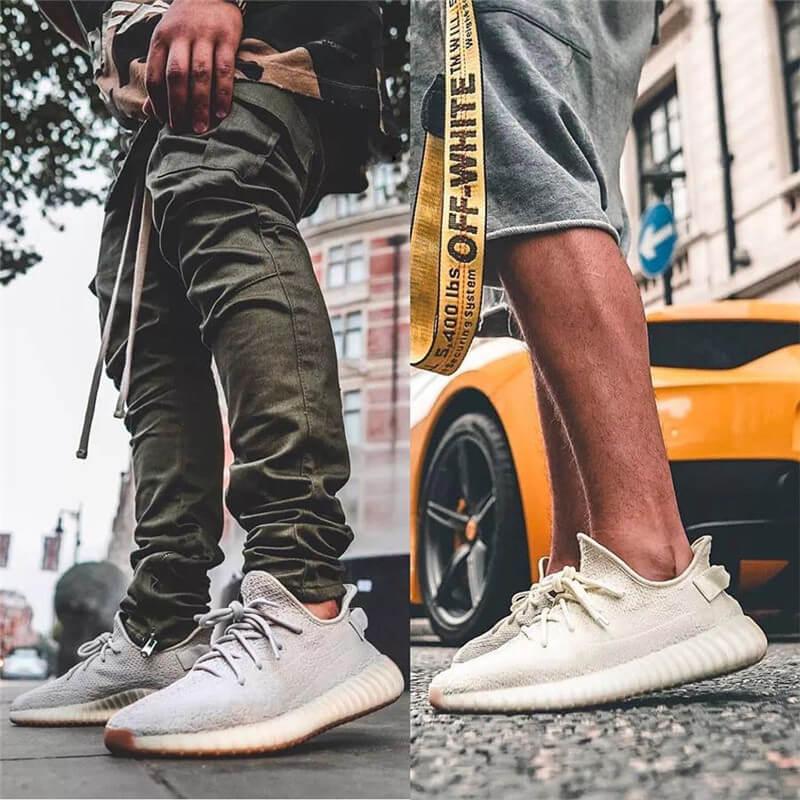 Giày Yeezy 350 V2 Sesame onfeet chân nam giới