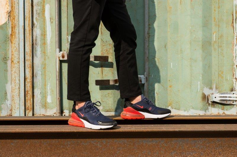 Nike Airmax 270 cho nam on feet