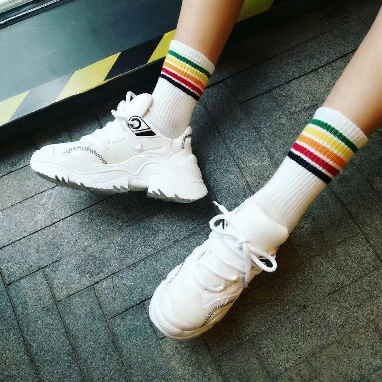 Thiết kế của đôi giày N°21 Billy sneaker mềm mại và được tiết chế
