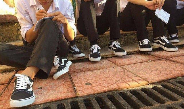 Giày đi học Vans - 400k