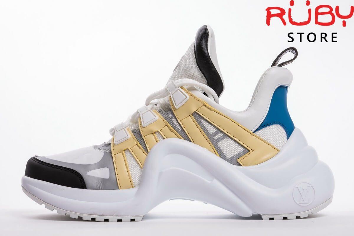 Mặt trái giày Louis Vuitton Archlight nổi bật màu vàng, trắng với gót màu xanh