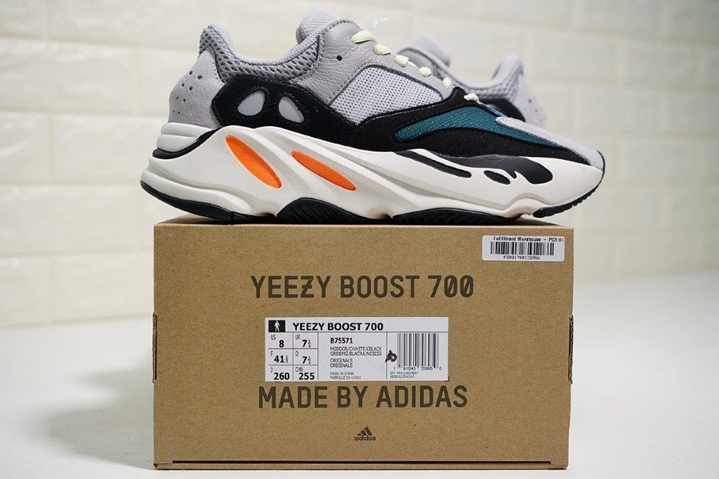 Nhận order giày Yeezy 700 | Ruby Store