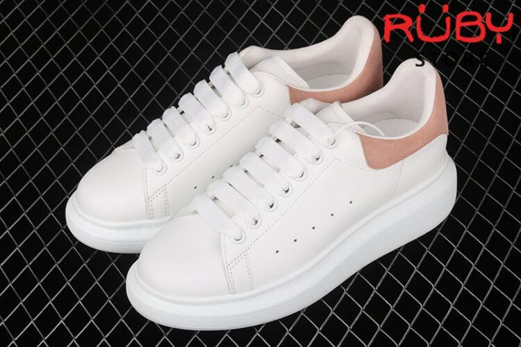 Giày Alexander McQueen gót hồng - tổng thể