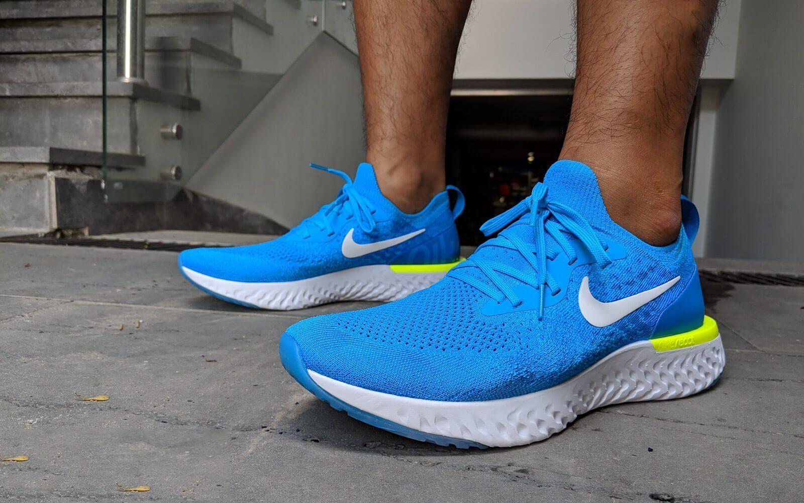 Giày Nike Epic React flyknit có chất vải thoáng khí