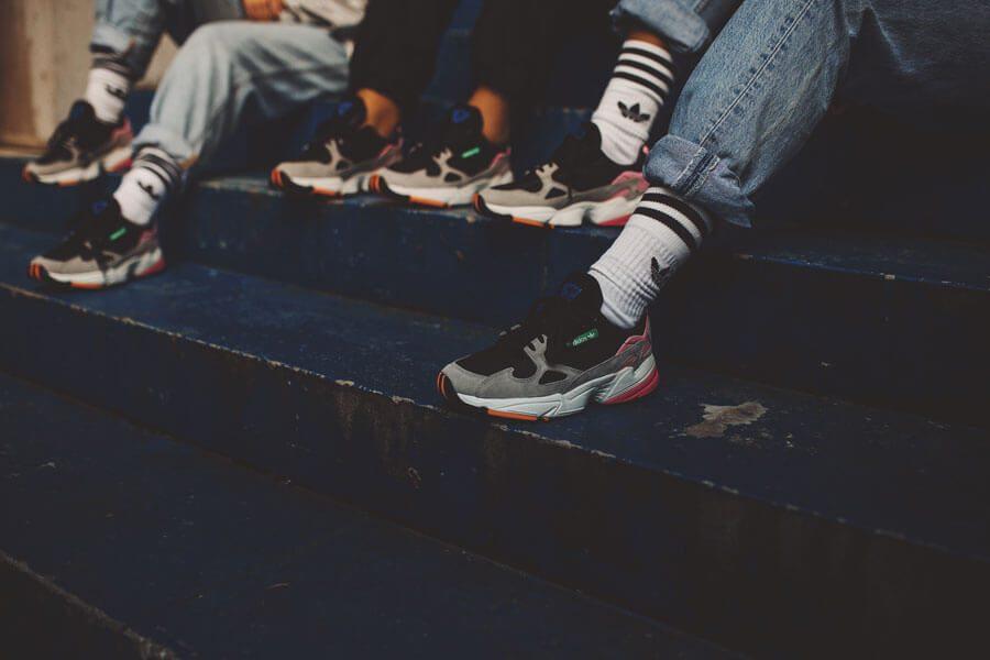 Giày Adidas Falcon on feet