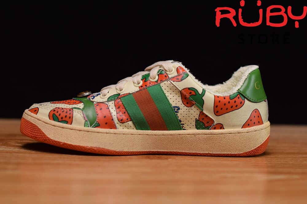 Giày-Gucci-Screener-Strawberry-Sneaker-Replica-1.1 ở hcm (3)