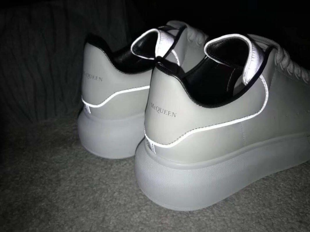 Giày Alexander McQueen lấy màu trắng làm chủ đạo