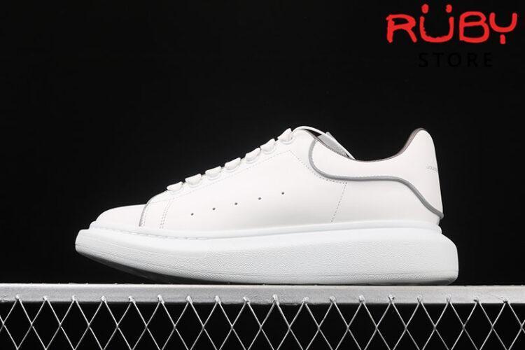 Giày Alexander McQueen phản quang - trái