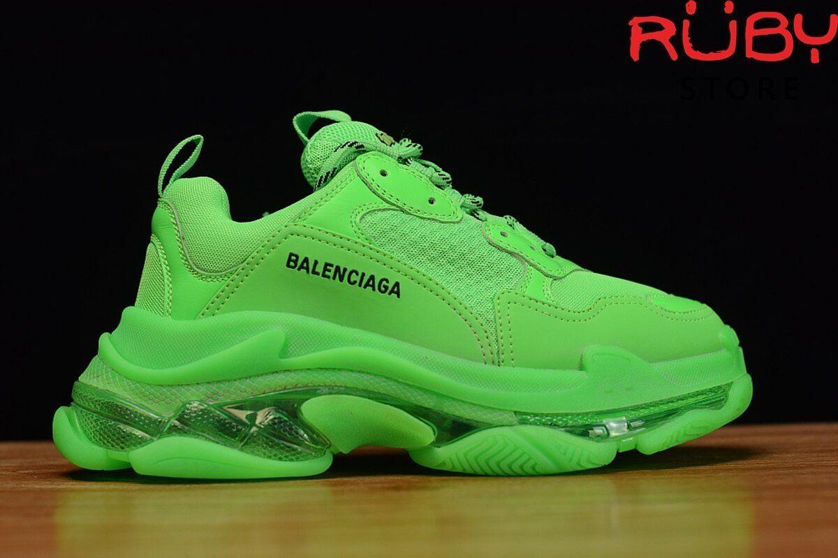 Mặt phải giày Balenciaga Triple S xanh lá cao cấp