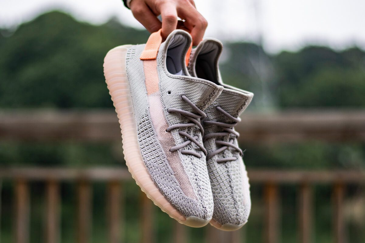 yeezy-350v2-true-form-hyperspace-clay (2)