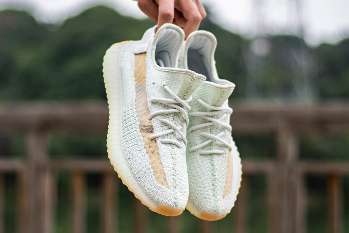 yeezy-350v2-true-form-hyperspace-clay (9)