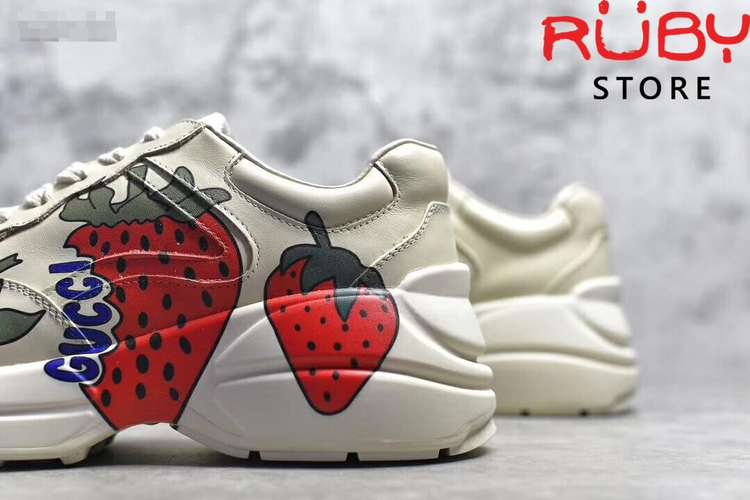 Giày-Gucci-Rhyton-Sneaker-With-Gucci-Strawberry-Replica-11 (1)