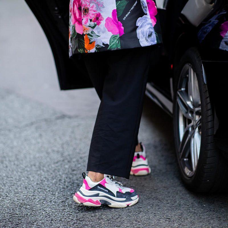 Phối giày Balenciaga Triple S một cách đầy cá tính
