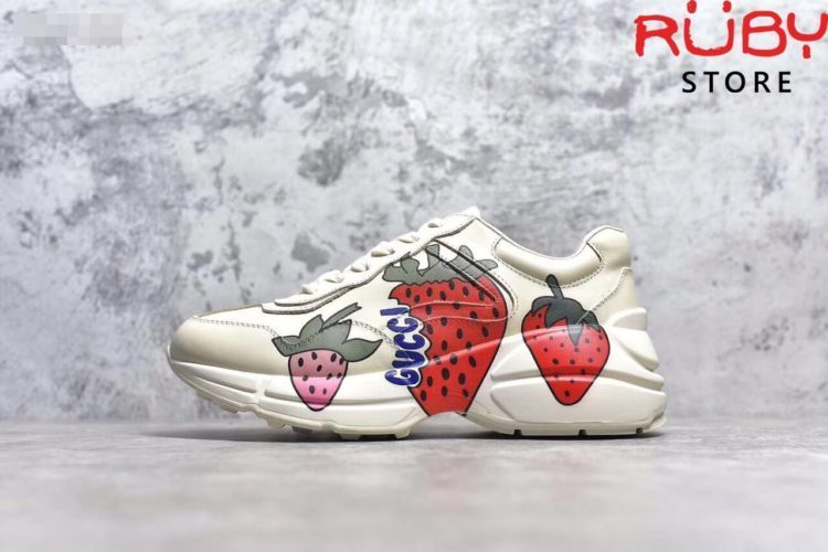 giay Gucci Rhyton Sneaker With Gucci Strawberry Replica 11