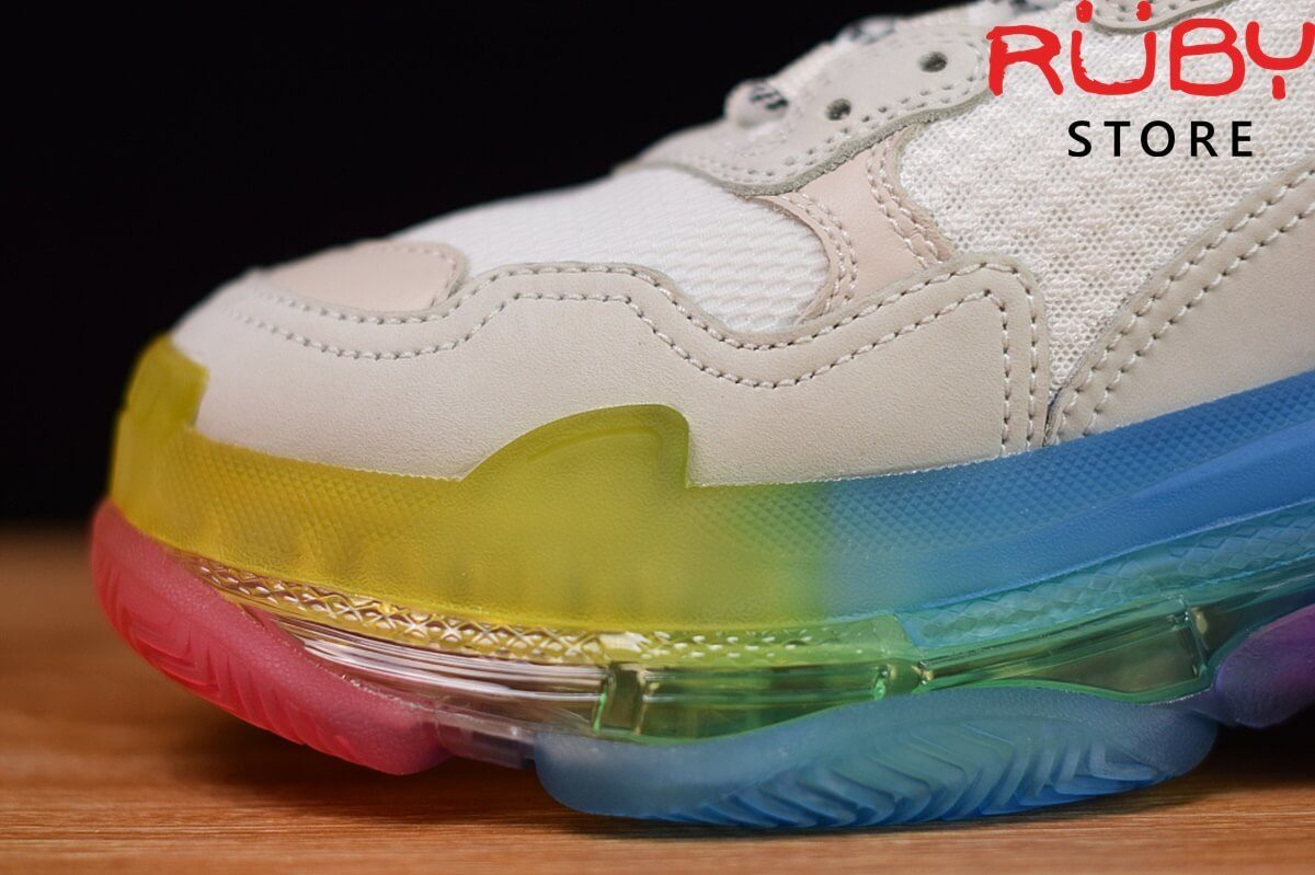 Phần mũi giày balenciaga triple s clear sole trắng 7 màu