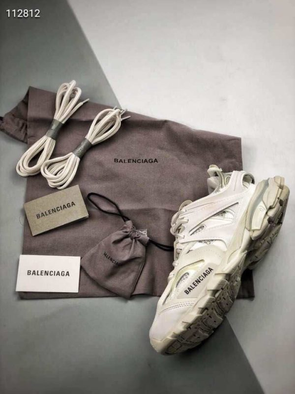 Giày Balenciaga Track Led Trainers màu trắng replica kèm dây sạc