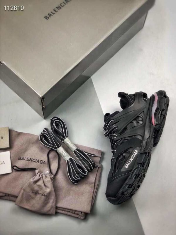 Giày Balenciaga Track Led Trainers màu đen replica kèm dây sạc