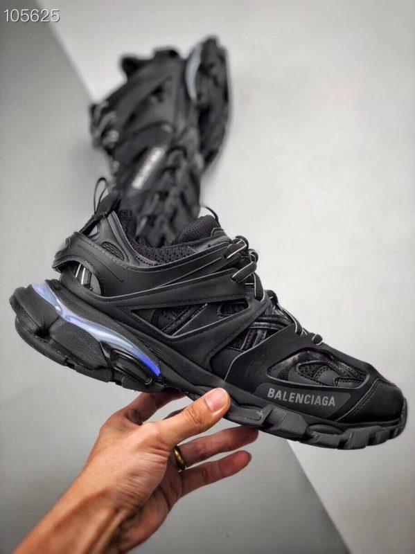 Giày Balenciaga Track Led Trainers màu đen replica