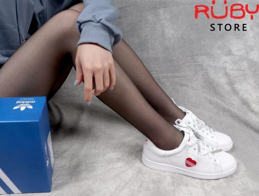 giày stan smith valentine 2019