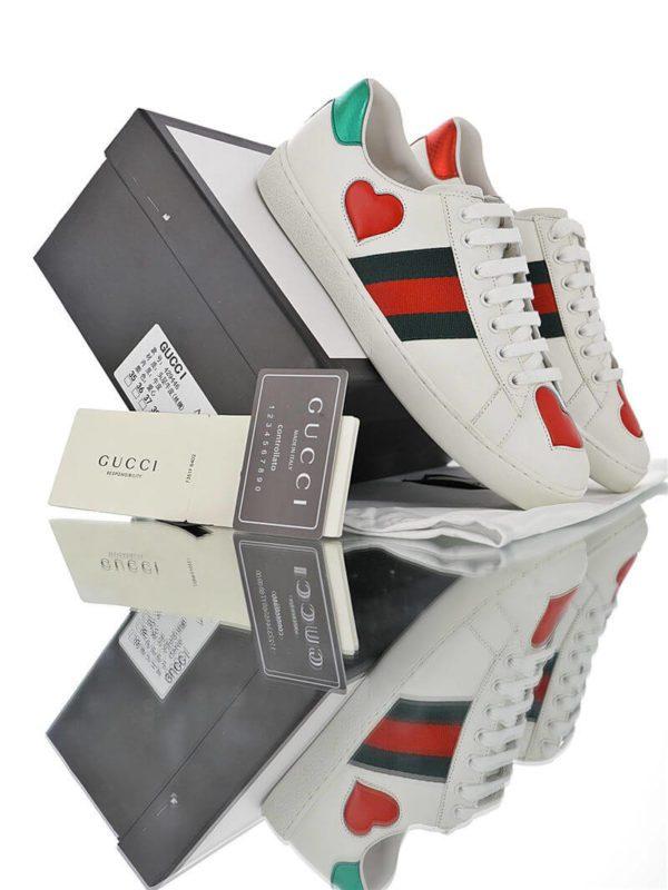 """Phiên bản giày Gucci trái tim """"cực"""" dễ thương"""