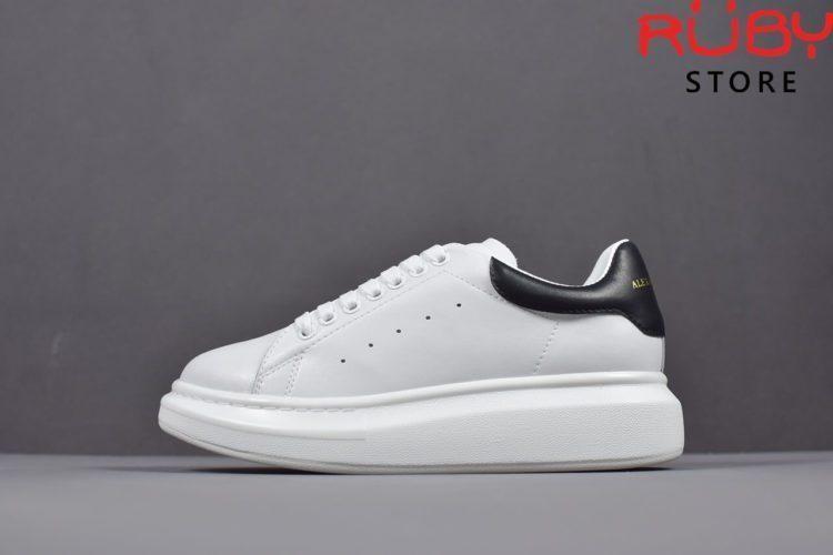 giày alexander mcqueen trắng đen bóng replica 1:1