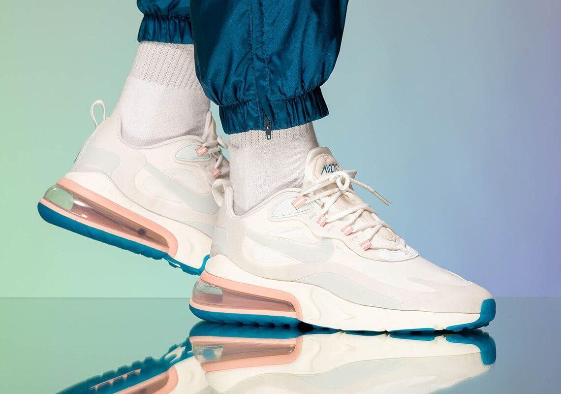 """Giày Nike Air Max 270 React """"Summit White"""" on feet"""