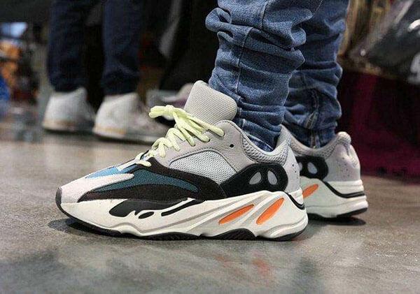 Adidas Yeezy BOOST 700 Wave Runner - 2017