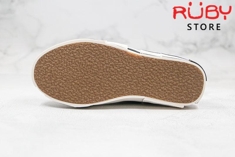 giày xvessel đế gỗ