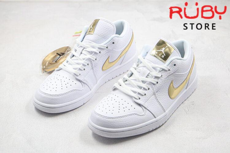 Giày Jordan 1 Low White Metallic Gold