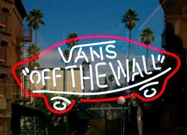 Giày Vans authentic giá bao nhiêu