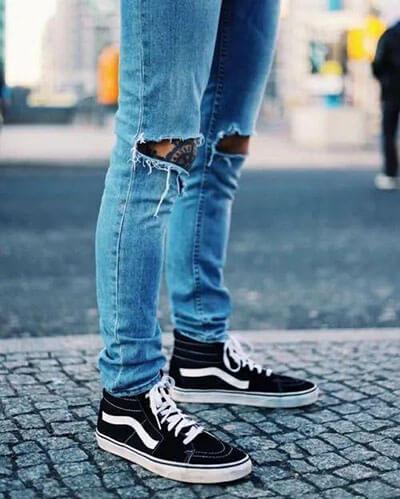 Phối đồ với giày Vans và quần Jean