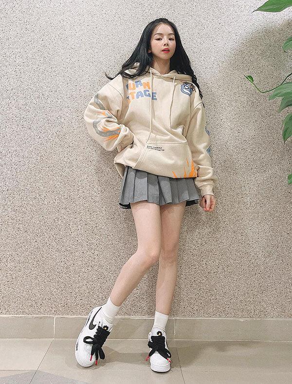 Dj Mie diện đôi giày Air Force 1 Paranoise G-Dragon