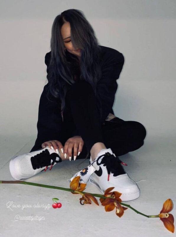 Nữ rapper CL (2NE1) mang đôi Peaceminusone x Air Force 1 Paranoise 2.0