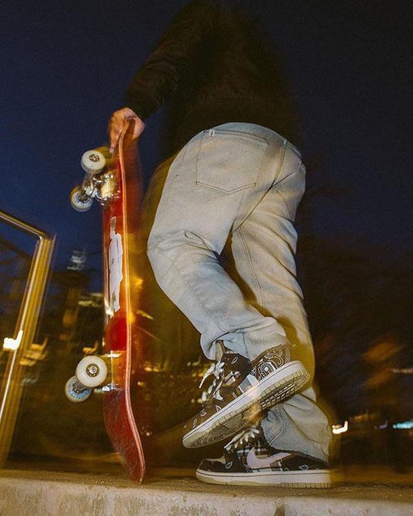 Phối đồ giày Nike Sb Dunk Travis Scott đẹp