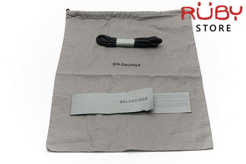 Giày Balenciaga Track 2.0 Xám Đen Đỏ Replica 1:1 (Siêu Cấp)Giày Balenciaga Track 2.0 Xám Đen Đỏ Replica 1:1 (Siêu Cấp)