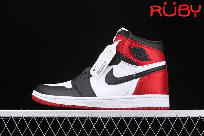 Giày Jordan 1 Retro High Satin Black Toe Trắng Đen Đỏ