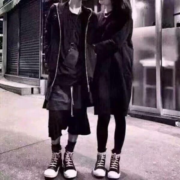 Quần skinny jeans đen với giày Rick Owen cho nữ