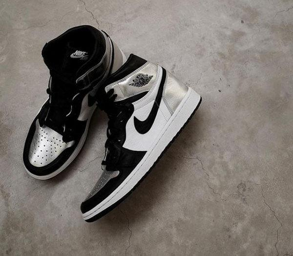 "Air Jordan 1 High OG ""Silver Toe"""