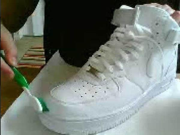 Một số lưu ý khi vệ sinh giày AF1