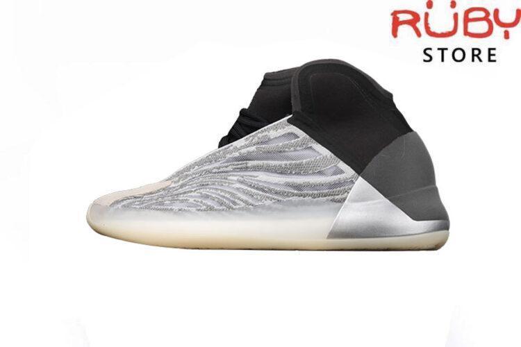 Giày Yeezy QNTM Lifestyle Model Trắng Xám